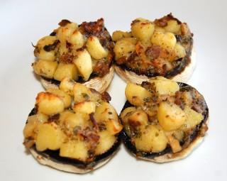 Funghi ripieni di gnocchi alla fonduta di grana